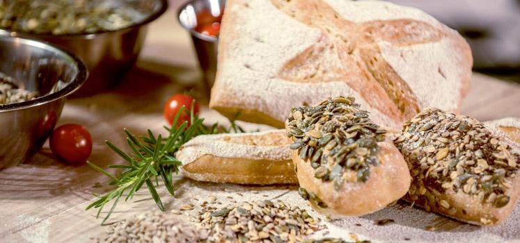 Voor alle vroege vogels: elke zondag morgen vers afgebakken broodjes